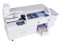 aa48a09493 Brossuratrice con metticopertina automatica, effettua la doppia cordonatura